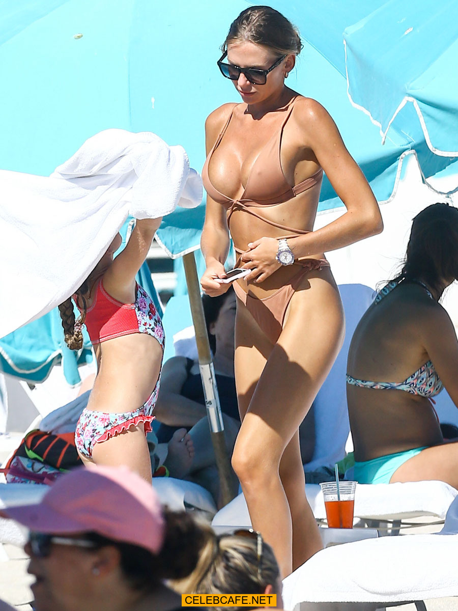 Anastasia Skyline Nude topless and nude celebrity paparazzi pics. oops, nipslip