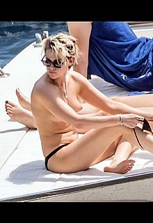 Kristen Stewart topless on a yacht in Italy
