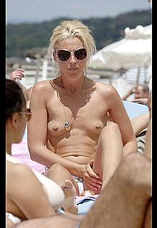 Tamara Beckwith small nude tits on a beach paparazzi images