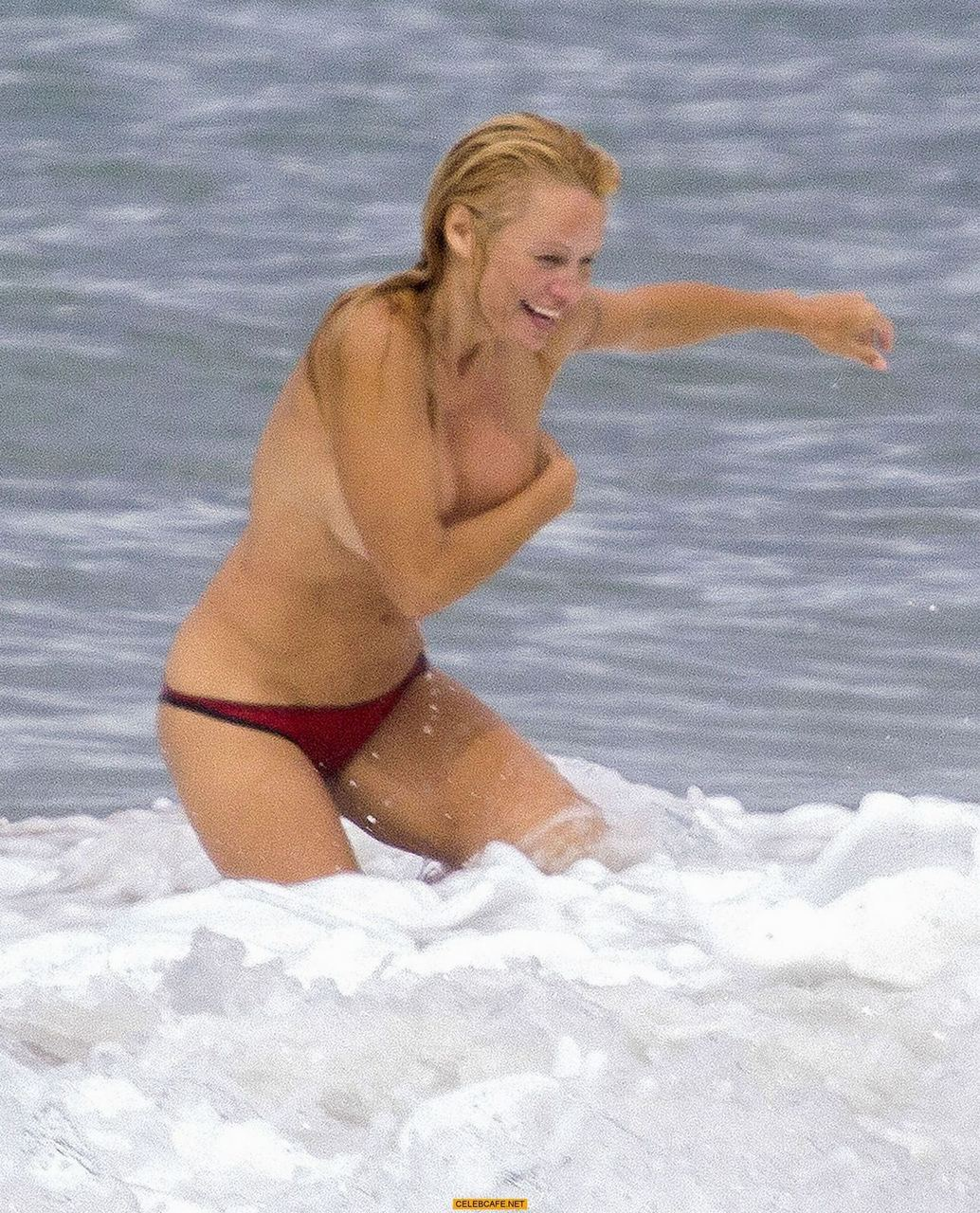 pam anderson topless beach france