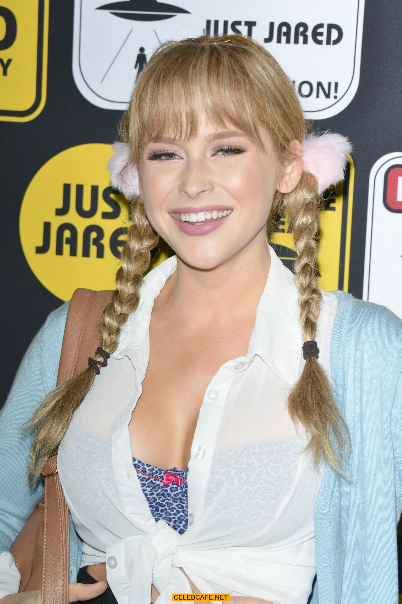 renee olstead at just jared annual halloween party