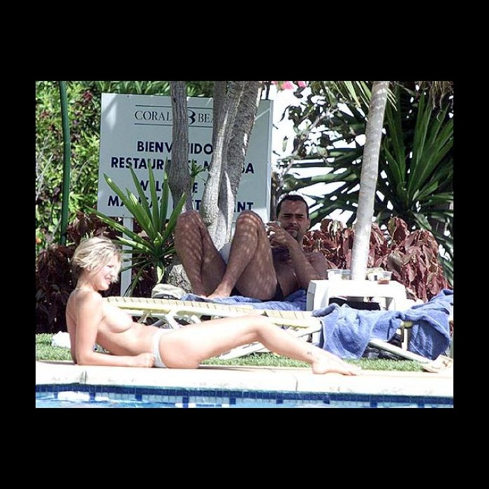 Lisa Faulkner sunbathing topless