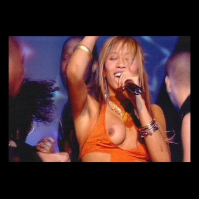Javine Hylton wardrobe malfunction (titslip) on a stage