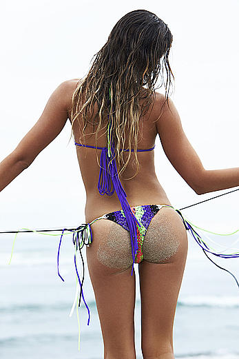 Anastasia Ashley shows ass in Revolve Clothing