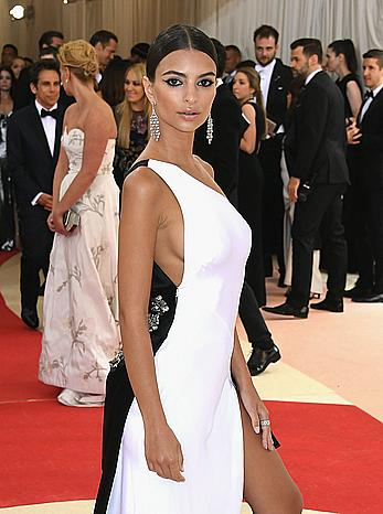 Emily Ratajkowski sexy in tight dress at 2016 Costume Institute Met Gala