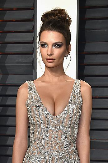 Emily Ratajkowski deep cleavage at 2017 Vanity Fair Oscar party