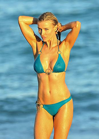 Joanna Krupa pokies under wet bikini in Miami