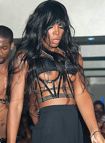 Kelly Rowland wardrobe malfunction (boobslip) on a stage