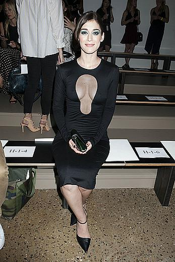 Lizzy Caplan hard nipples at Cushnie Et Ochs fashion show