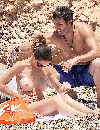 Nerea Garmendia caught topless on a beach