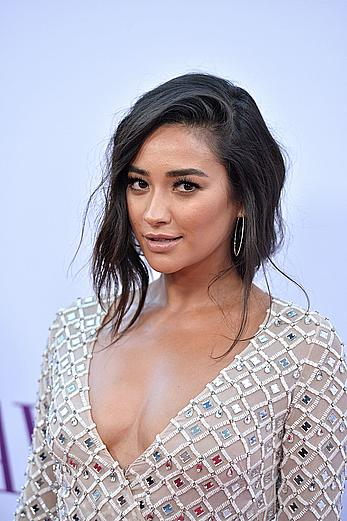 Shay Mitchell posing at Mother's Day premiere