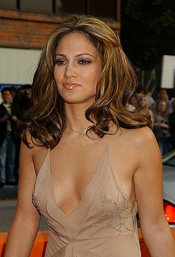 Jennifer Lopez hard nipples under see through dress