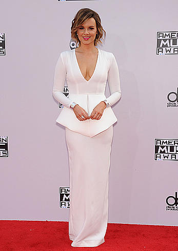 Ali Fedotowsky sexy cleavage at 2014 American Music Awards in Los Angeles