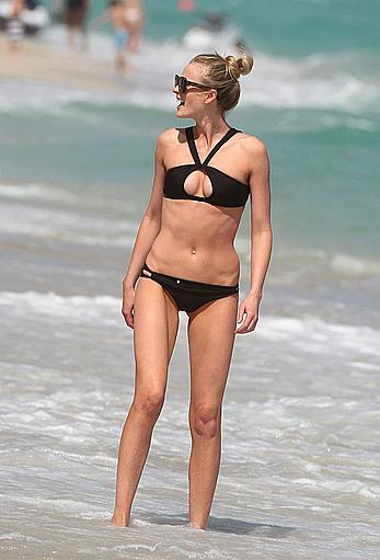 Anne Vyalitsyna wearing black bikini in Miami