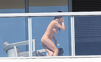Arianny Celeste naked on the balcony of a hotel in florida beach