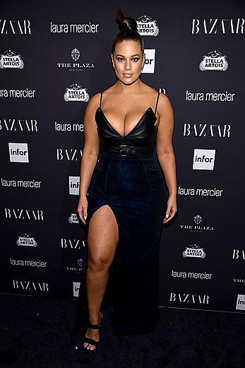 Ashley Graham cleavage at Harper�s Bazaar Celebrates ICONS By Carine Roitfeld