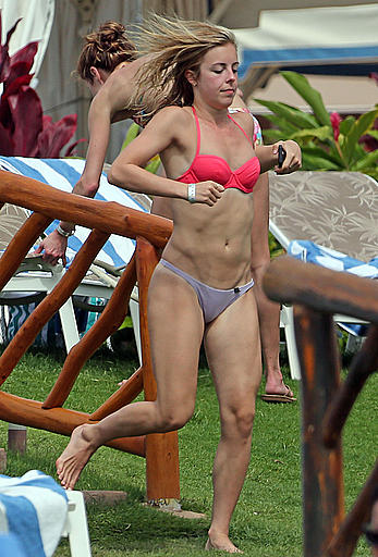 Ashley Wagner cameltoe in wearing bikini in Hawaii