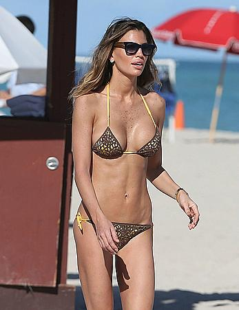 Claudia Galanti cleavage in bikini candids