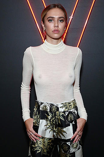 Delilah Hamlin in see through top at the Maybelline Mansion Presented by V