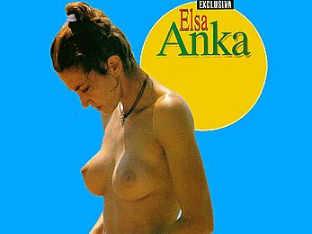 Elsa Anka caugt topless on a beach, shows her nude boobs and ass
