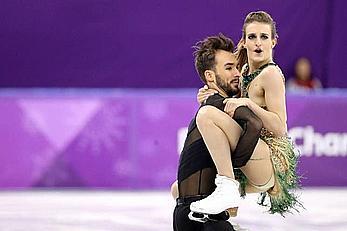 Gabriella Papadakis olympic nipple slip