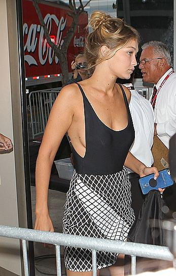 Gigi Hadid without bra under tight top
