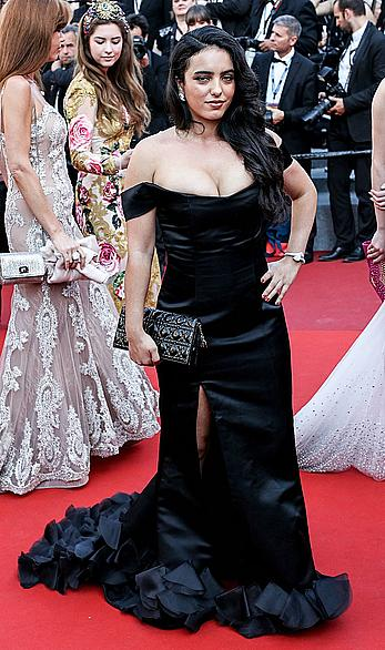 Hafsia Herzi cleavage at Cannes Film Festival closing ceremony