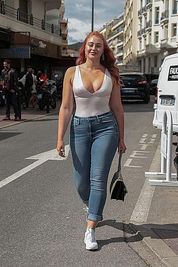 Iskra Lawrence pokies outside Hotel Martinez in Cannes