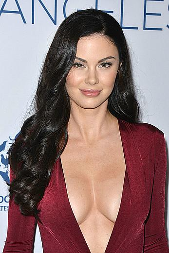 Jayde Nicole legs and cleavage at Humane Society of the United States Los Angeles Benefit Gala