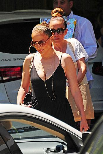 Jennifer Lopez went to the Spa in the Standart Hotel