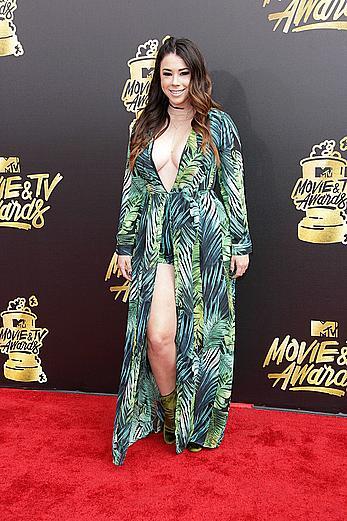 Jillian Rose Reed sexy at 2017 MTV Movie & TV Awards