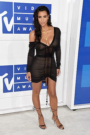 Kim Kardashian looking sexy at 2016 MTV Video Music Awards