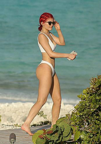 Kylie Jenner round sexy ass in white bikini in Turks