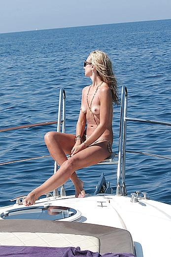 Lady Victoria Hervey topless on a yacht in Ischia