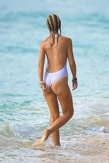 Lady Victoria Hervey tit slip on a beach