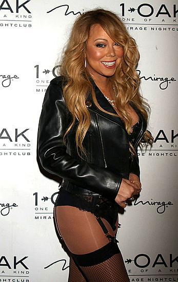 Mariah Carey walking carpet without skirt at 1 OAK nightclub in Vegas