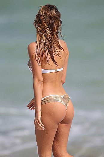 Melissa Castagnoli  Bikini Candids in Miami
