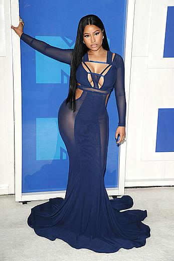 Busty Nicki Minaj sexy cleavage in tight dress at 2016 MTV VMA