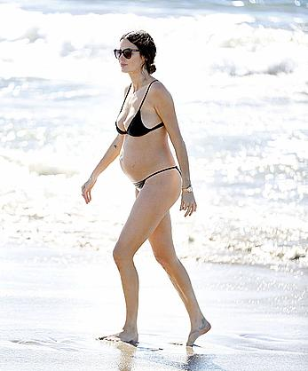 Australian model Nicole Trunfio pregnant in back bikini in Santa Monica