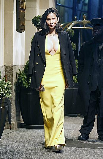 Olivia Munn sexy cleavage in yellow dress