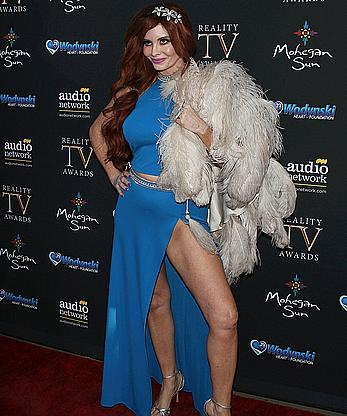 Phoebe Price no underwear at 5th annual Reality TV Awards