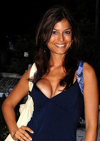 Sara Tommasi areola slip at 66th Venice film Festival