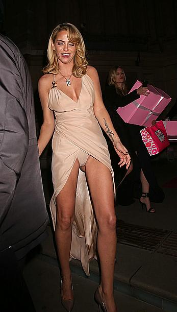 Sarah Harding upskirt shows pants and cameltoe