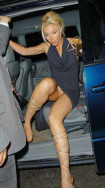 Tamara Beckwith upskirt shows her nude pussy in a car