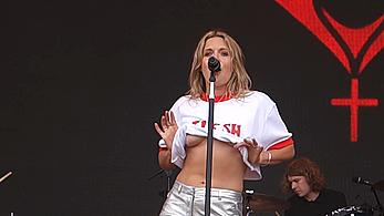 Tove Lo as usual shows her nude tits on stage at 2017 Outside Lands Music And Arts Festival