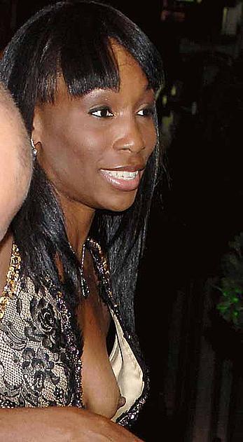 Tennis star Venus Williams nipple slip