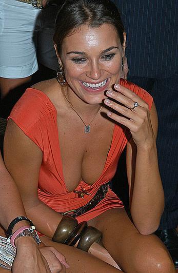 Alena Seredova upskirt and deep sexy cleavage