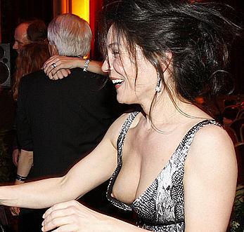 Julia Stemberger titslip paparazzi shots
