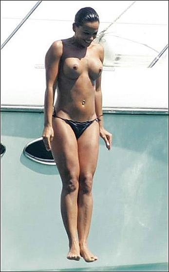 Nereida Gallardo topless on a yacht paparazzi photo