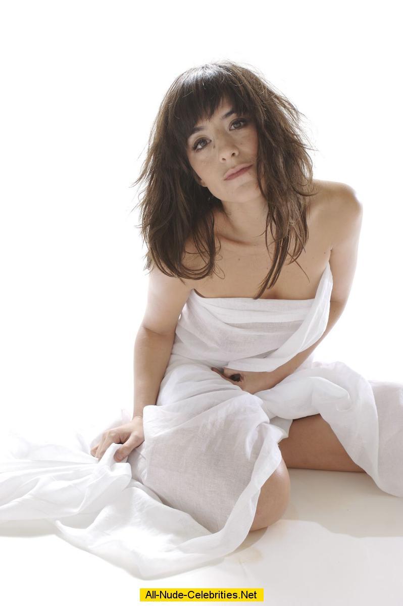romane bohringer posing naked but covered photoshoot